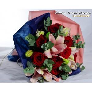 Μπουκέτο με oriental, κόκκινα τριαντάφυλλα & ευκάλυπτο E-Shop