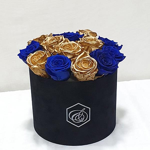 Στρογγυλό βελούδινο κουτί με forever roses  μπλε & χρυσά