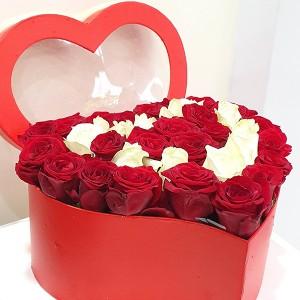 Κουτί καρδιά με τριαντάφυλλα επιλογής