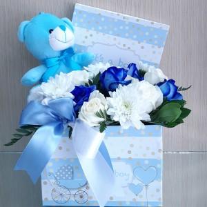 Κουτί με λουλούδια για νεογέννητο αγοράκι