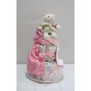 Μωρότουρτα με τα απαραίτητα για νεογέννητο κοριτσάκι