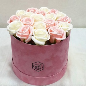 Soap Pink roses in a box