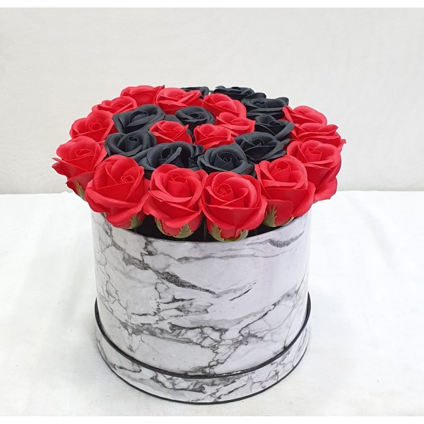 Soap Black & Red roses in a box